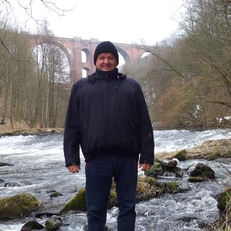 Im Elstertal mit der Elstertalbrücke ...